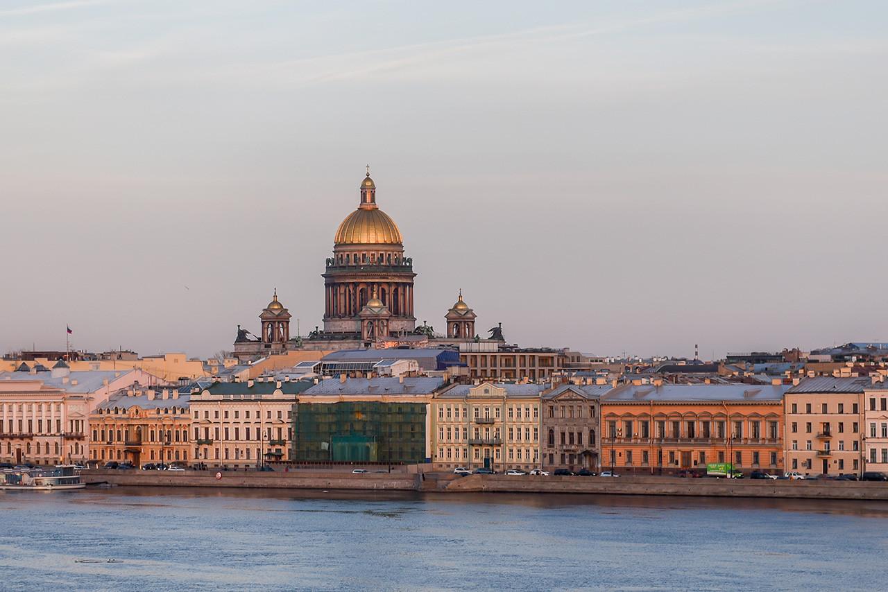 Жители Ненецкого округа чаще всего переезжают в Санкт-Петербург и Ленинградскую область
