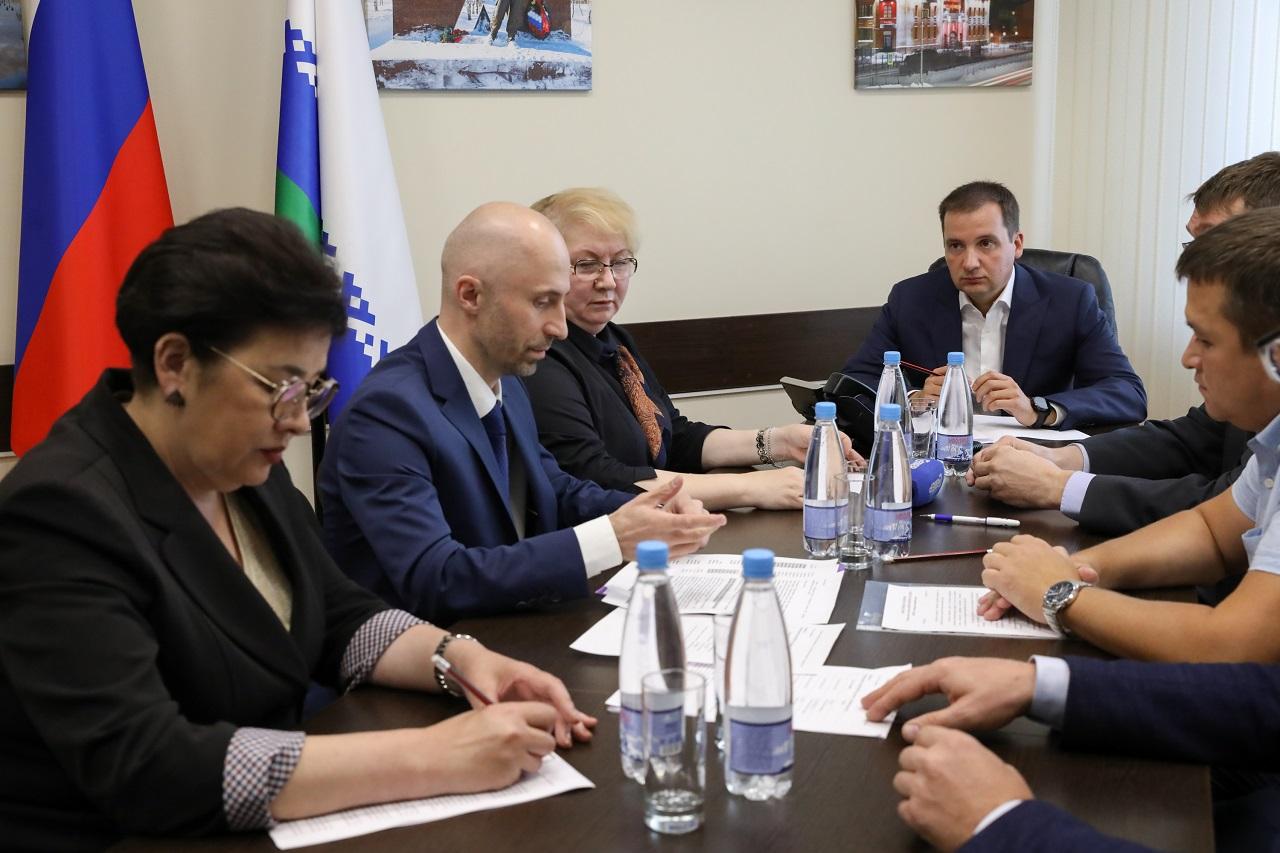Губернатор НАО провёл рабочую встречу с руководством регионального отделения ОНФ